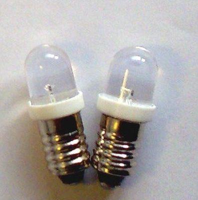 2 x E10 LED pære - 12V
