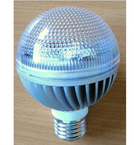 2 stk. 3W / 230V LED pære - Demo modeller 1 hvid + 1 varm/hvid